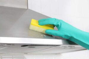 how to clean an extractor fan