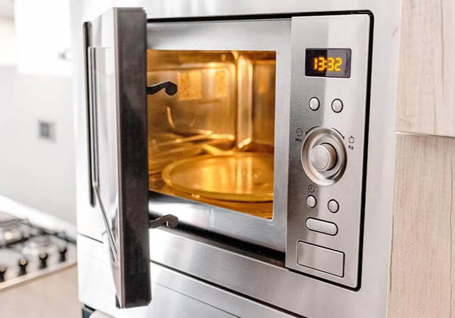 microwavepro-Is-It-Safe-To-Open-The-Microwave-While-Its-Running
